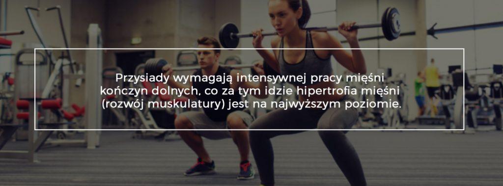 W jaki sposób ćwiczyć na siłowni