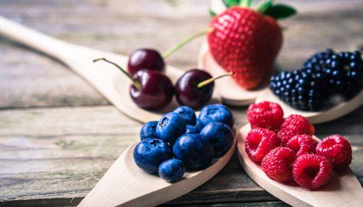 Różne oblicza fruktozy – czy sportowiec powinien bać się owoców?