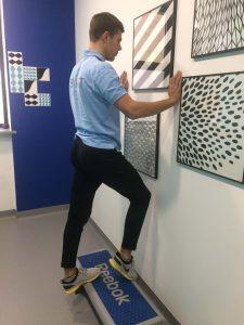 naciaganie-nogi