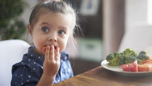5 sposobów aby zachęcić dziecko do jedzenia warzyw