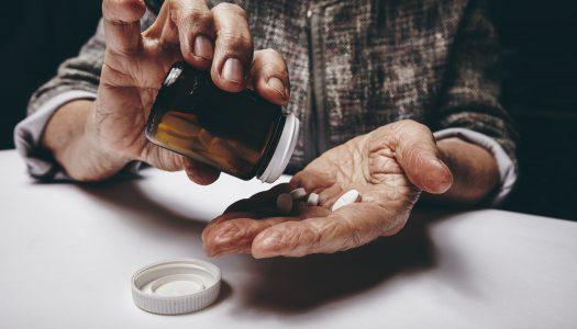 Czy osoba starsza powinna zażywać suplementy?